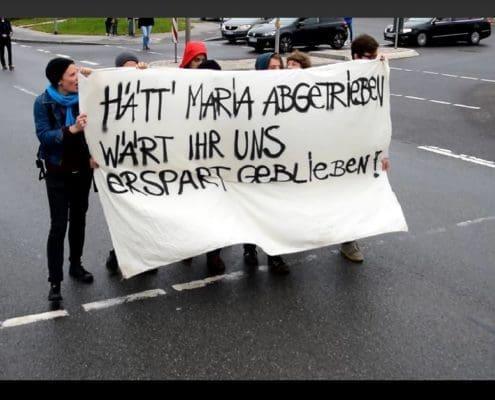 Gegendemonstranten zum Schweigemarsch 2015: Foto: Andreas S. Gegendemonstranten zum Schweigemarsch 2015: Foto: Andreas S.